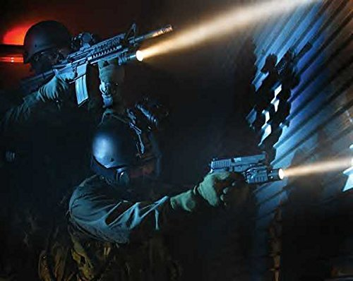 The Best Tactical Flashlights and Best Tactical Flashlight Guide - Solaray Pro ZX-1 Tactical Use